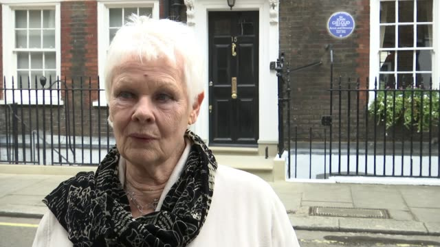 sir john gielgud honoured with blue plaque sir john gielgud honoured with blue plaque dame judi dench interview sot he was somebody who was really a... - john gielgud stock videos & royalty-free footage