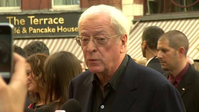 sir michael caine at the inception world premiere at london england. - 俳優 マイケル・ケイン点の映像素材/bロール