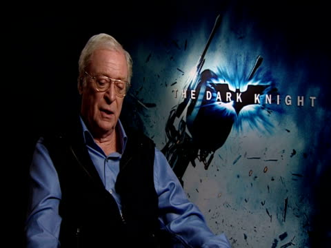 sir michael caine on how much he's learnt as an actor over the years and now only learns what not to do! the hardest thing to do on set is relax and... - 俳優 マイケル・ケイン点の映像素材/bロール