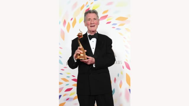 sir michael palin winner of the special recognition award poses in the winners room during the national television awards 2020 at the o2 arena on... - マイケル パリン点の映像素材/bロール