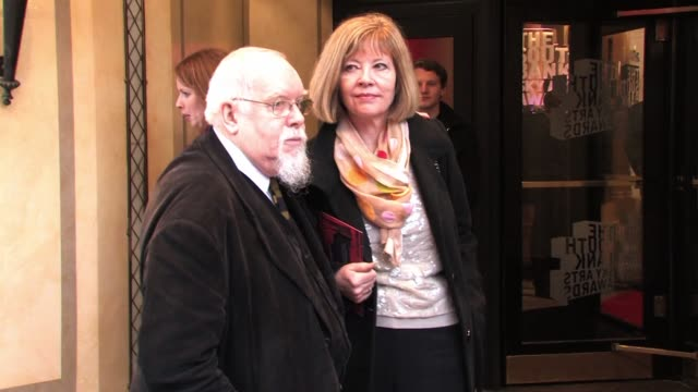 sir peter blake arrives for the south bank sky arts awards sky arts awards - sir peter blake at dorchester hotel on january 25, 2011 in london,... - dorchester hotel stock videos & royalty-free footage