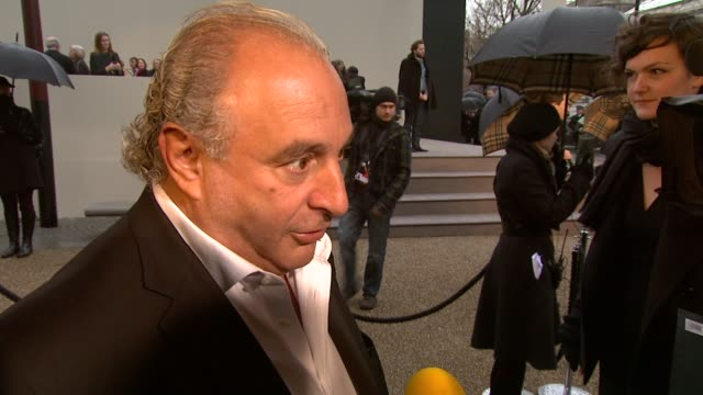 vidéos et rushes de sir philip green on what makes a label so strong at the burberry prorsum london fashion week a/w 2010 red carper arrivals at london england - burberry prorsum