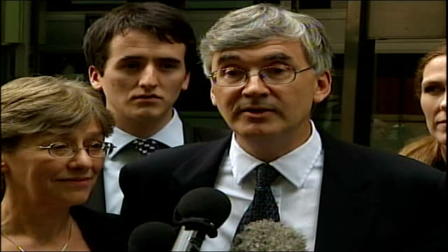 sir stephen richards found not guilty of exposing himself sir stephen richards speaking to press sot look forward to resuming a normal life - 無罪点の映像素材/bロール