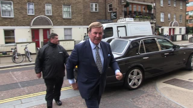 sir terry wogan arrives at itv studios on london's south bank. exclusive: sir terry wogan at itv studios on october 17, 2011 in london, england - terry wogan stock-videos und b-roll-filmmaterial