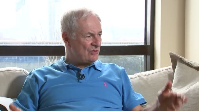 vidéos et rushes de paul gambaccini interview england london int paul gambaccini interview sot - terry wogan