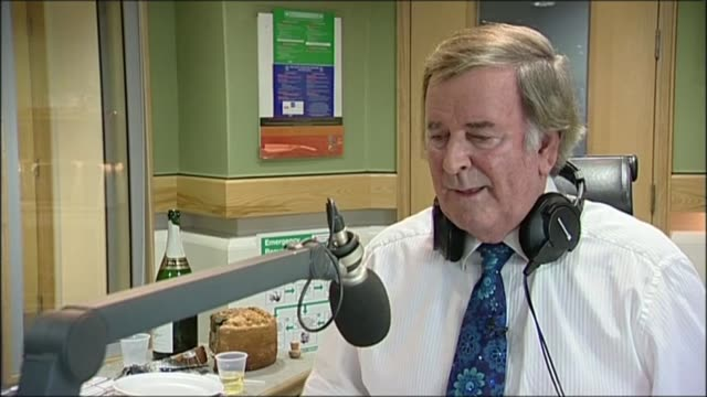 sir terry wogan dies from cancer aged 77; lib / int sir terry wogan interview sot - terry wogan stock-videos und b-roll-filmmaterial