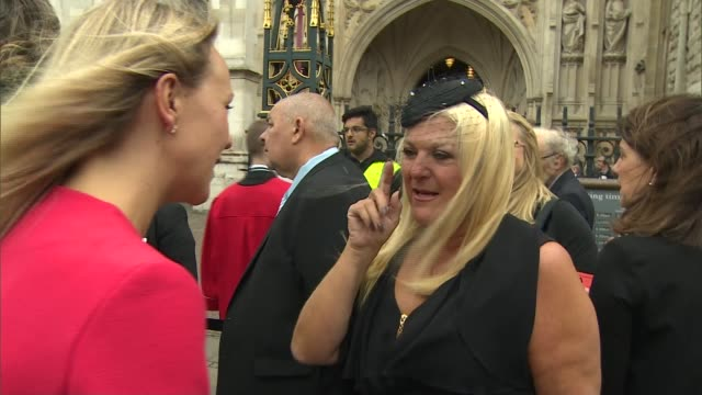 sir terry wogan memorial service held at westminster abbey ext alan titchmarsh along various shots of people waiting outside westminster abbey... - terry wogan video stock e b–roll