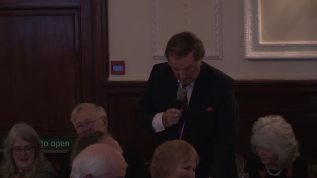 sir terry wogan - the oldie's at simpsons in the strand on february 12, 2013 in london, england - terry wogan stock-videos und b-roll-filmmaterial