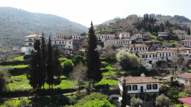 vídeos de stock e filmes b-roll de sirince village, izmir - cultura mediterrânica