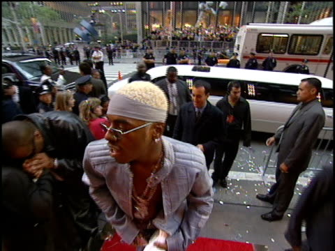 Sisqo arrives to the 2000 Video Music Awards at Radio City Music Hall