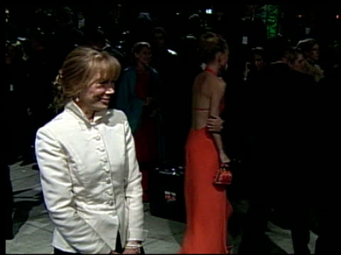 vídeos de stock, filmes e b-roll de sissy spacek at the 2002 academy awards vanity fair party at morton's in west hollywood, california on march 24, 2002. - festa do oscar