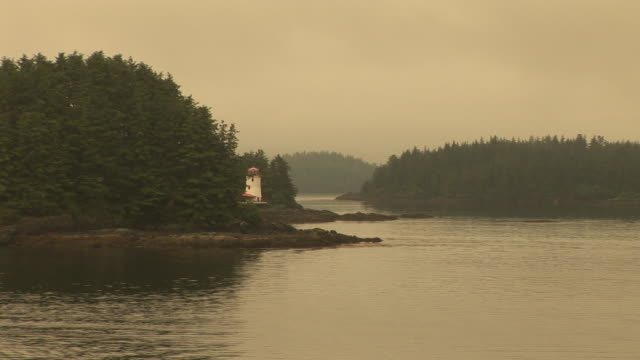 stockvideo's en b-roll-footage met ws, zi, sitka lighthouse, alaska, usa - sepiakleurig