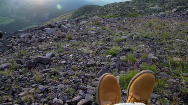 sitting in the dolomites at sunrise - トレンティーノ点の映像素材/bロール