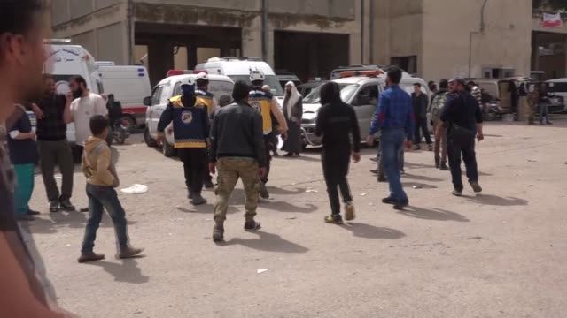 A sixth convoy of vehicles carrying civilians and opposition fighters from the Damascus suburb of Eastern Ghouta arrived in Syria's centralwest Hama...
