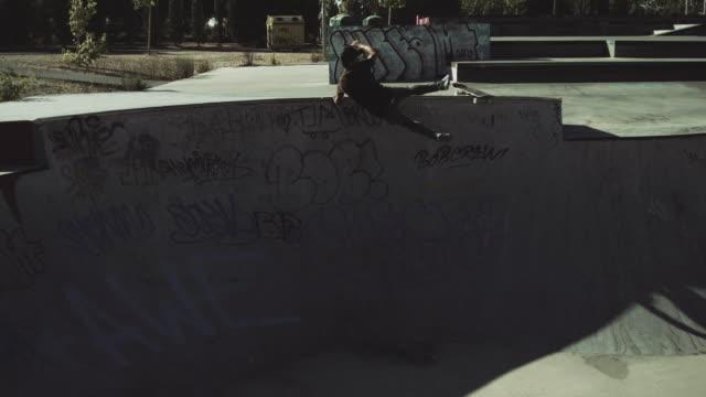 skateboard fall - スケートボード点の映像素材/bロール