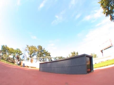 skateboarder blunt slide ledge - människoarm bildbanksvideor och videomaterial från bakom kulisserna