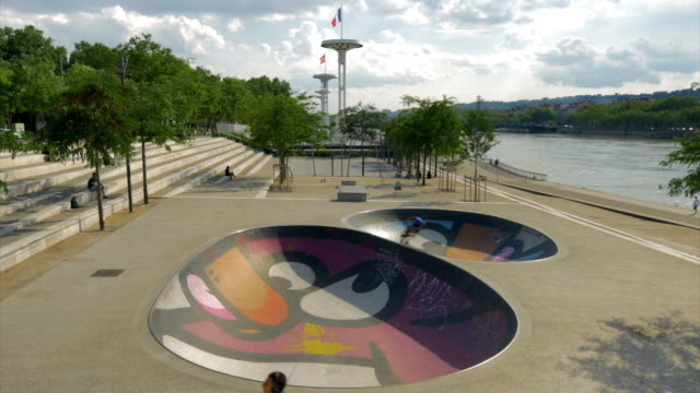 skateboarder in colorful skatepark,lyons,ws - skateboard park stock videos & royalty-free footage