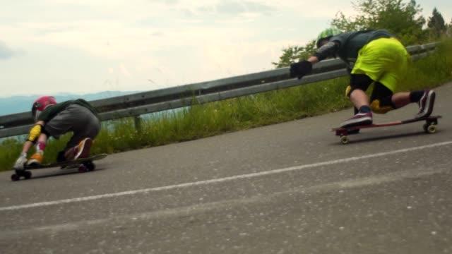 道をスケートボード - アドレナリン点の映像素材/bロール