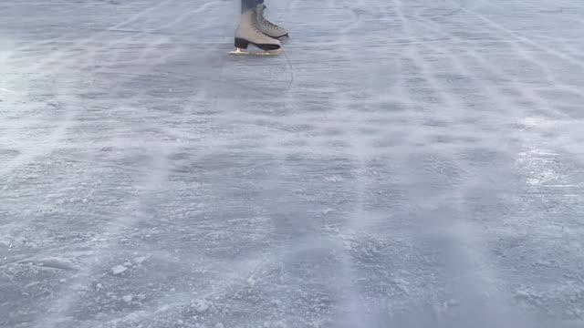 vidéos et rushes de skating on artificial ice - patinage sur glace