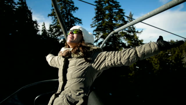 ski lift driving - seggiovia video stock e b–roll