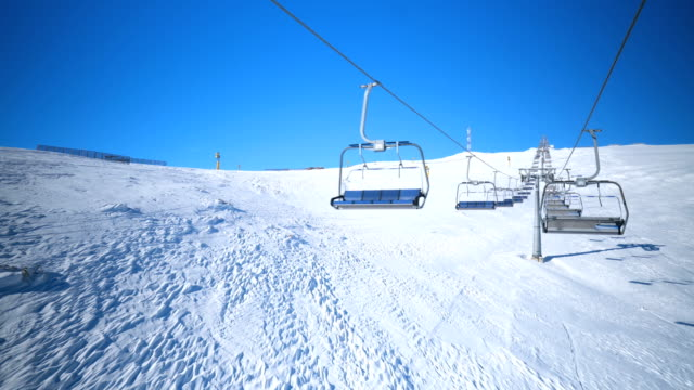 ski lift - seggiovia video stock e b–roll