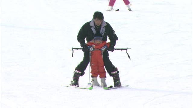 ski slope, mt rokko - bastoncino da sci video stock e b–roll