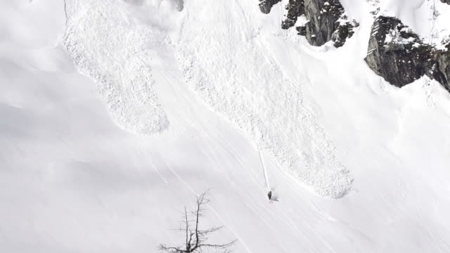 skier escapes avalanche - danger stock videos & royalty-free footage