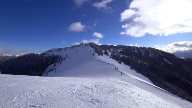POV: Skiing in Muehlbach, Austria