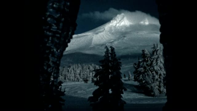 skiing in the snowy cascades - mt hood stock videos & royalty-free footage