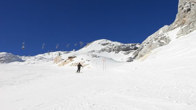 HD: Skiing on snow