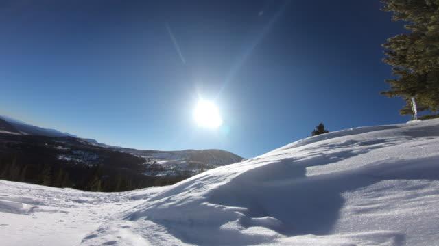 vídeos y material grabado en eventos de stock de skiing - chaqueta de esquiar