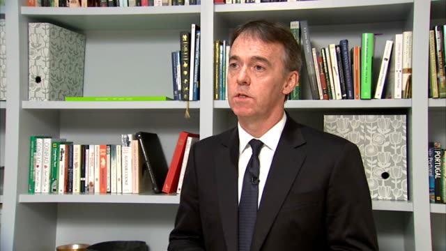 jeremy darroch statement england london int jeremy darroch statement sot like everyone at sky i was extremely saddened to hear that our colleague... - comforting colleague stock videos & royalty-free footage