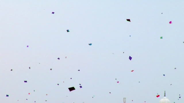 ws la sky full of kites on eve of india's independence day / delhi, india - kite toy stock videos and b-roll footage