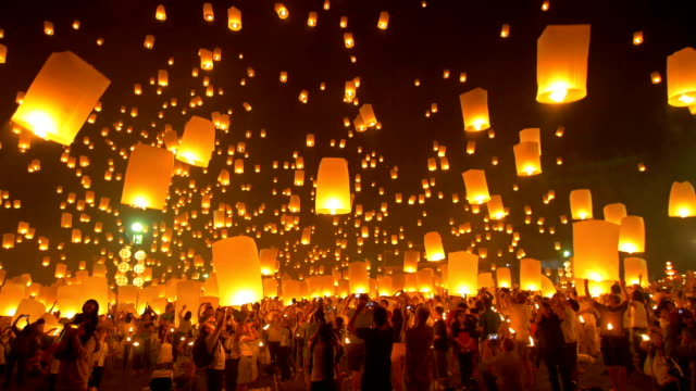sky lantern loi krathong traditional festival. - sky lantern stock videos & royalty-free footage