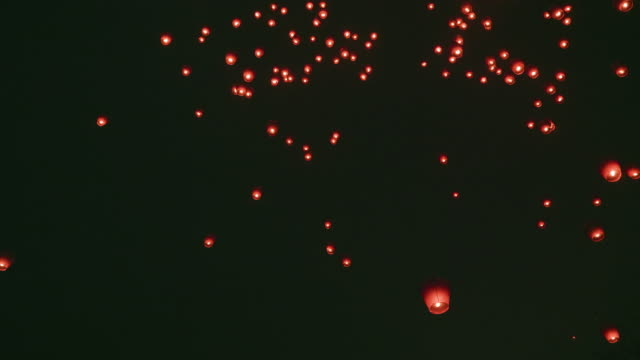 ws sky lanterns flying in sky during festival - taiwan stock videos & royalty-free footage
