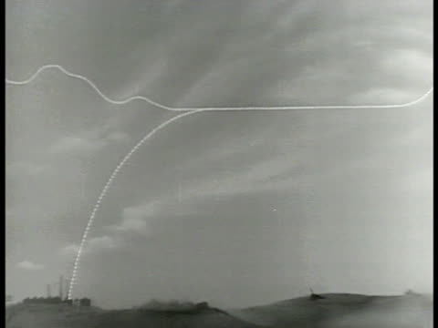 sky w/ bomber airplane bomb path drawn antiaircraft cannon's missile path drawn animated bomber airplane on path animated antiair missile on path... - flugabwehr stock-videos und b-roll-filmmaterial