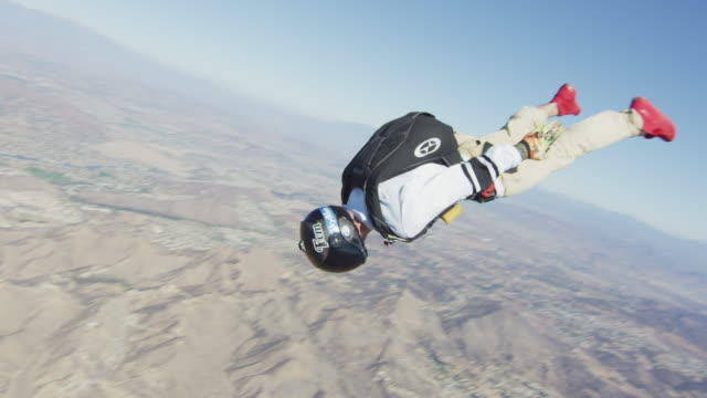 skydiver flyby - free falling stock videos & royalty-free footage
