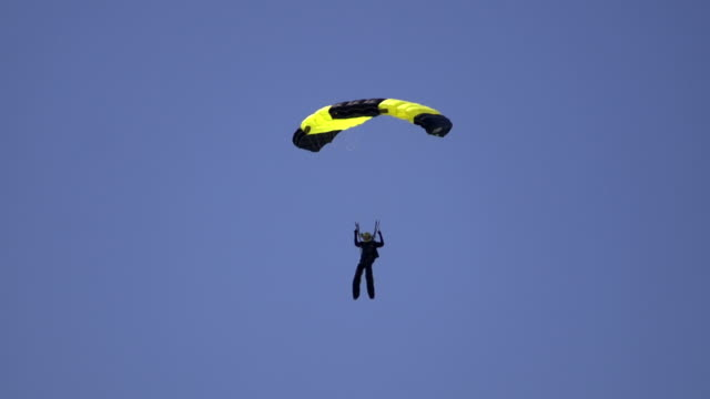 skydiver - parachute stock videos & royalty-free footage