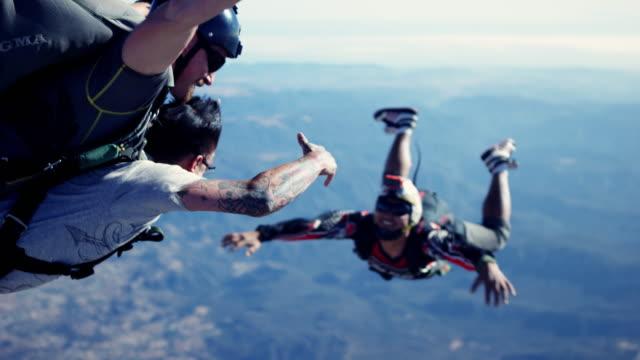 Skydiving Cameraman Films Tandem Skydivers
