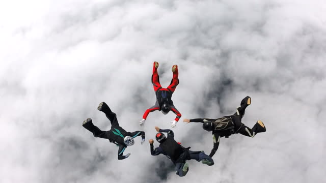 Skydiving team work