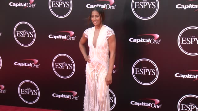 vídeos y material grabado en eventos de stock de skylar diggins at the 2016 espy awards at microsoft theater on july 13 2016 in los angeles california - premios espy