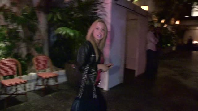 skyler shaye arrives at chateau marmont in west hollywood 05/28/12 - skyler shaye stock videos & royalty-free footage