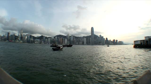stockvideo's en b-roll-footage met ws skyline across harbor, hong kong, china - hong kong