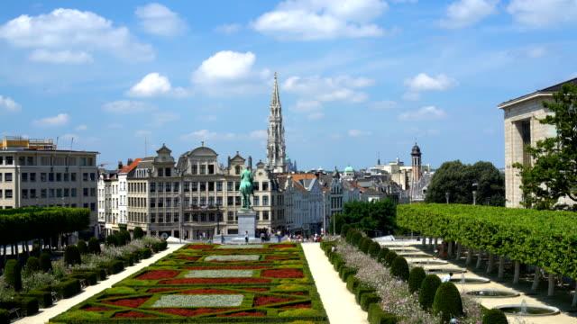 vidéos et rushes de skyline bruxelles avec parc - belgique