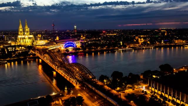 Skyline von Köln mit Kölner Dom, Zeitraffer