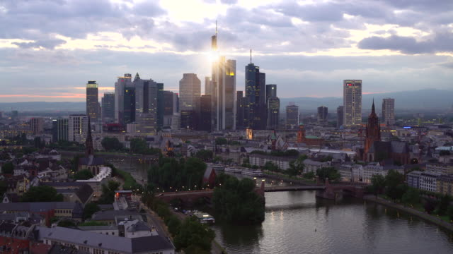 Skyline Frankfurt by sunset, Real Time