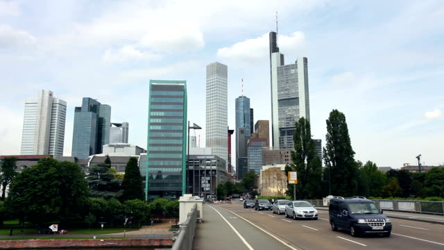 stockvideo's en b-roll-footage met skyline frankfurt - hersenstam
