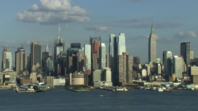 t/l ws skyline of manhattan from weehawken / new york city, new york, usa - 2010 stock videos & royalty-free footage