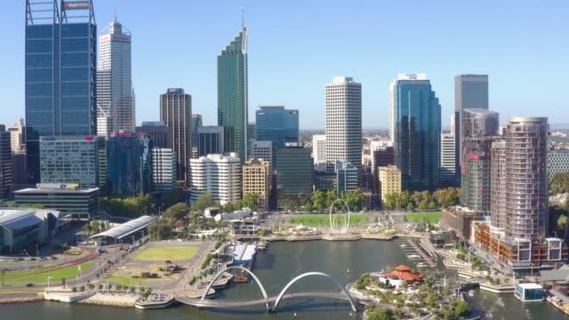 stads kärnan i perth med stadens centrala affärs distrikt i västra australien, australien - western australia bildbanksvideor och videomaterial från bakom kulisserna
