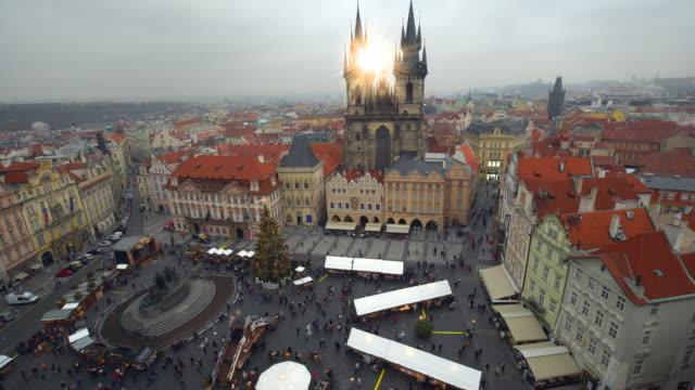 スカイライン プラハのクリスマス マーケット - prague点の映像素材/bロール